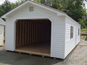Medinis garazas automobiliui Inovatyvi statyba www.santvaros.lt