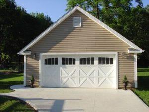 Medinis garazas dviem automobiliams Inovatyvi statyba www.santvaros.lt