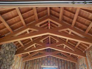 Neekploatuojamas santvarų stogas www.santvaros.lt