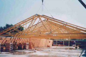 Didelio tarpatramio medinės stogo santvaros santvaros.lt