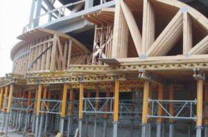 Visuomeninis medinių konstrukcijų stadionas Daugpilyje - santvaros.lt