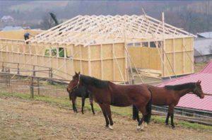 arklidės su medinėmis stogo santvaromis-projektai-santvaros.lt