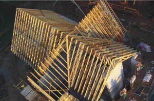 bažnyčia su medinių santvarų stogu-projektai-santvaros.lt
