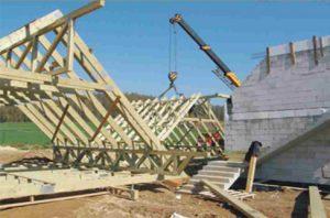 medinės mansardinio aukšto santvaros montuojamos ant žemės-projektai-santvaros.lt