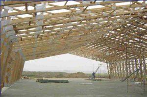 medinis angaras Lenkijoje su medinėmis stogo santvaromis-projektai-santvaros.lt