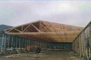 sandėliavimo pastatas su didelio tarpatramio medinėmis santvaromis-projektai-santvaros.lt